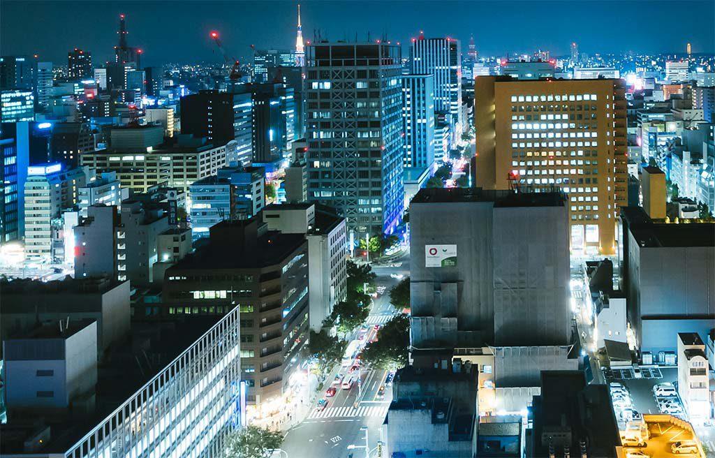 探偵が活躍する名古屋の街並み